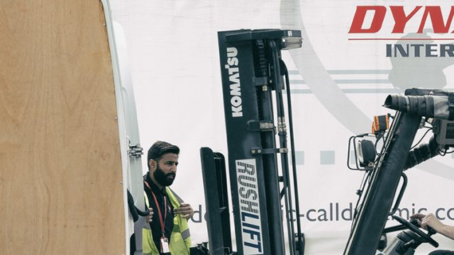 Loading a road haulage vehicle
